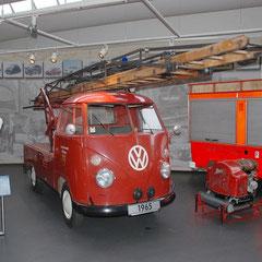 T1 als Drehleiter-Fahrzeug. 4 Zylinder-Boxer mit 1,5l Hubraum und 42PS aus dem Jahr 1965.
