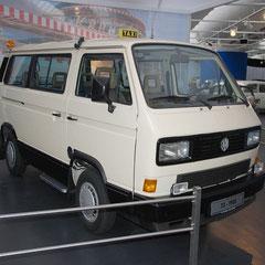 """T3-Taxi aus dem Jahre 1988. 4 Zylinder Reihenturbodiesel mit 1,6l Hubraum und 70PS. Der Prototyp """"Berlin-Taxi"""" ging jedoch nie in Serie."""