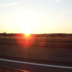 ... immer schön Richtung Sonnenuntergang!