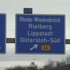 Vorbei an Rheda-Wiedenbrück - hier kommt HUGO's Westfalia-Innenausstattung her!