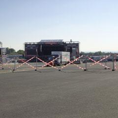 Gesperrte Alterna-Stage: Auch noch nie gesehn, aber heute spielt sich alles auf der Center-Stage ab.