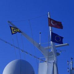 Flaggen-Gruß an die Türkei.