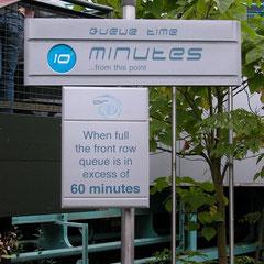 ... vielleicht waren die Schilder zu abschreckend, aber da wollte niemand sitzen...