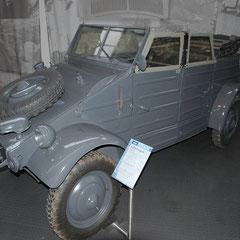 Kübelwagen von 1944. 4 Zylinder Boxer mit 1,1l Hubraum und 25PS.