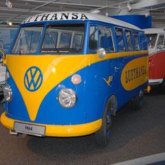 Von VW für die Lufthansa gebaut für Flughafen-Einsätze und Bodenlogistik.