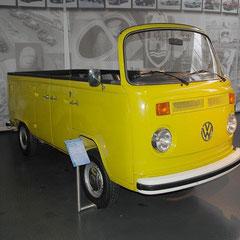 Der Open Air-Bus. 4 Zylinder-Boxer mit 1,6l Hubraum und 50PS aus dem Jahr 1973. Ein Einzelstück der VW-Versuchsabteilung.