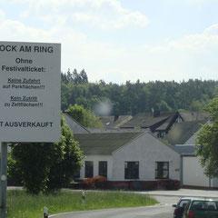 Ich nähere mich dem Nürburgring...