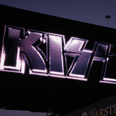 ... KISS!!!