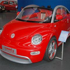 VW New Beetle - Kamei Beetser II von 2002. Bereits vor der eigentlichen Veröffentlichung des Beetle-Cabrios entwickelte Kamei diesen Prototypen des offenen Zweisitzers.