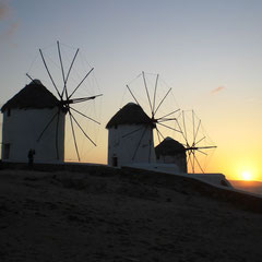Die berühmten Windmühlen von Mykonos.