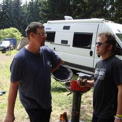 Johann und Pierre (wahscheinlich beim Fachsipeln über Osbourne-Kaffee...)