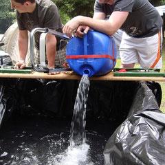 Unsere Korbacher-Nachbarn bauen sich heute zur Abwechslung mal nen Pool...