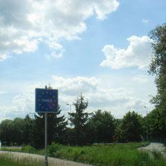 Weiter ging's auf unserer Route & auf einmal waren wir in Frankreich!!! (War nicht geplant...)