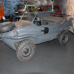 VW's allradgetriebenes, schwimmfähiges Geländefahrzeug.