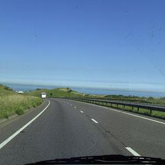 Tag 8: Es geht wieder Richtung Heimat: Hier die Anfahrt auf Dover.