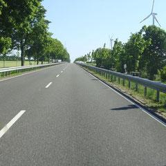 Weg der Wahl ist wieder die B258 quer durch die schöne Eifel.