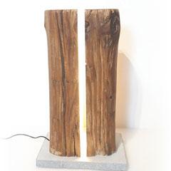 Stehleuchte Altholzbalken