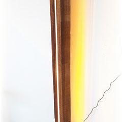 Holzleuchte mit Natursteinsockel