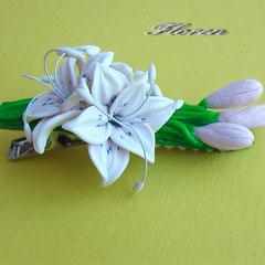 """Зажім """"Белые лилии"""""""