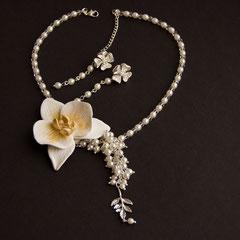Свадедное украшение с орхидеей