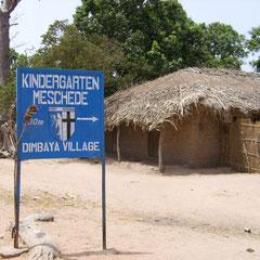 Wegweiser zum Kindergarten Dimbaya