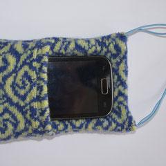 Handy-Abschirm-Hülle hellgrün/türkis, mit Telefon