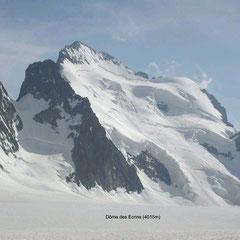 Dôme des Ecrins (4015m) à droite de la Barre des Ecrins (4135m)
