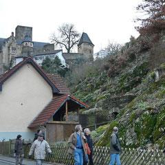 Die letzte Etappe führte durch Kransberg. Das Schloss ist immer ein Blickfang. (Foto W. Kautz)