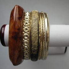 PROMO-27. Сет из 5 браслетов. Ювелирный сплав под золото, ювелирных акрил. На среднее/широкое запястье. Отличное украшения для лета!