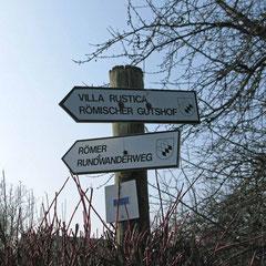 © Traudi - Hier zweigen wir ab zur Villa Rustica.