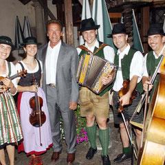 Die Steirische Streich mit Arnie im August 2012 in Graz