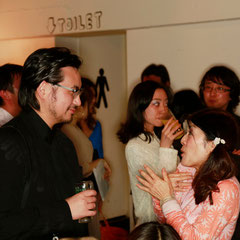 わいわい 『世界は考える』出版記念レセプション Photo by Kim Gno