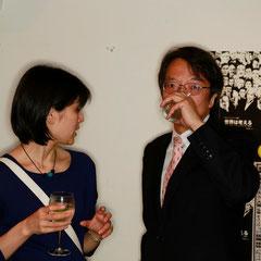 先生も来てくれました 『世界は考える』出版記念レセプション Photo by Kim Gno