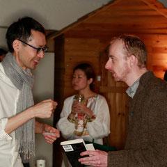 フリージャーナリストのダニエルさんも来てくれました 『世界は考える』出版記念レセプション Photo by Kim Gno