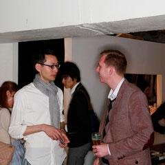 デーモンさんと私 『世界は考える』出版記念レセプション Photo by Kim Gno