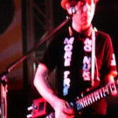 小山田君のギターは、エキセントリック♪