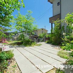 庭や外構のリノベーション「丘に佇む住まい〜そして、森へ」©miyamori design