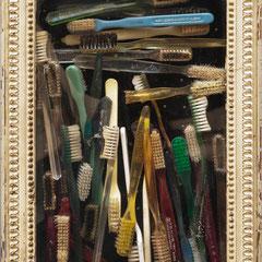 Arman (1928-2005) Les Perce-Neige, 1961 accumulation de brosses à dents dans un cadre moulé et peint. oeuvre unique 37 x 27 x 5 cm.