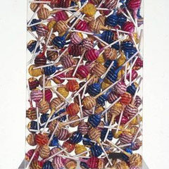 Arman, ChupaChups, accumulation de sucette dans du plexi, 42 x 30 x 5,5 cm, 2000.