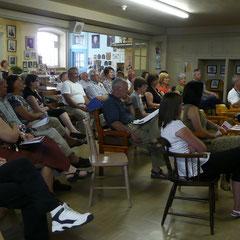 Conférence de presse aux Espaces Mémoires au sous-sol de l'église