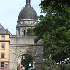 Blick zur St. Peterskirche
