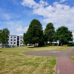 Blick auf die St. Antonius Residenz vom Park