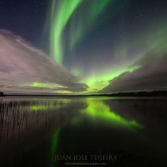 Aurora boreal en Pontoon Lake, Yellowknife.