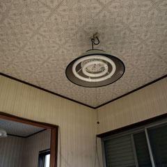 天井のレベルを合わせる為 解体・吊木調整