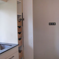 Küche Detail innenliegende Schubkästen// Beratung • Planung • Ausführung
