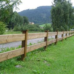 2-reihiger Bretterzaun, ein typischer Landschaftszaun