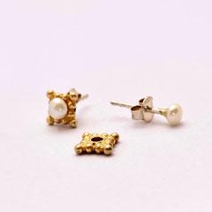 2-teilige Ohrstecker aus vergoldetem Sterling-Silber und Perlen