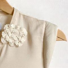 Brosche aus Vintage-Kimonoseide aus Japan und Süsswasserperlen