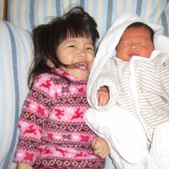 伊藤家次女りんりん誕生。嬉しそうなふうちゃん。