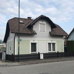 Neu gestrichene Fassade